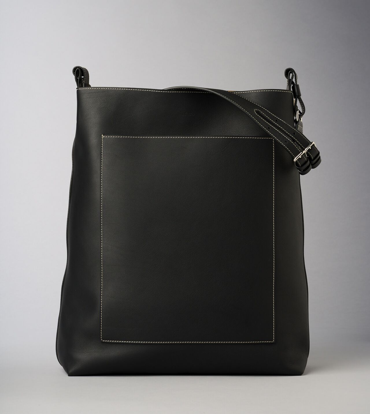 Picture of Byredo Eazy bag in Black leather and silver hardware