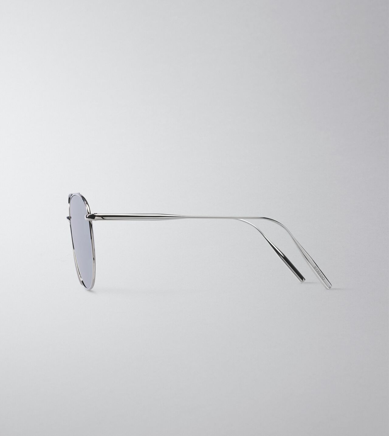 Picture of Byredo The Certified Pilot in Palladium grey mirror