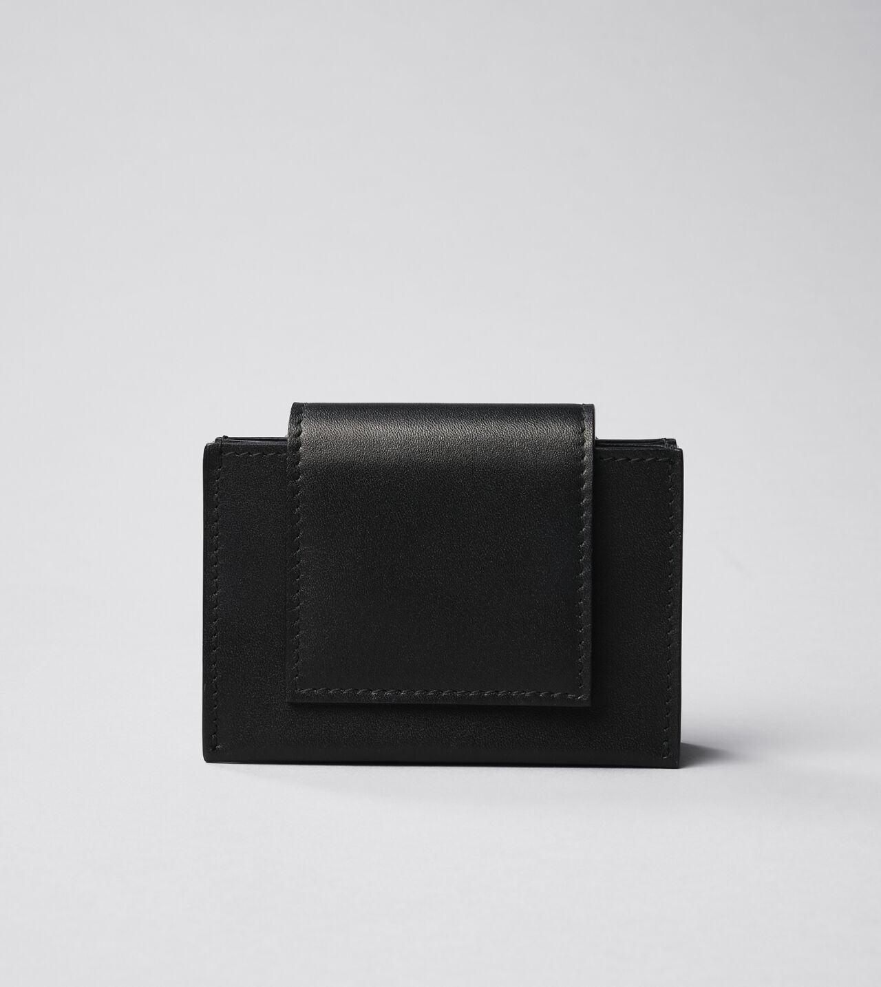 Picture of Byredo Umbrella Wallet in Black leather